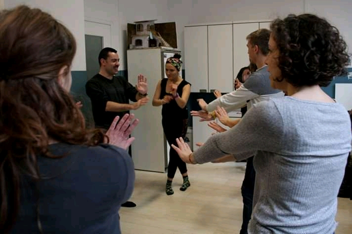 International guests. Intercultural dance workshop with refugee population in Italy. Leader: Diana Gutiérrez (Embodying Reconciliation). 2018-2019